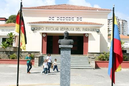 La escuela celebró siete décadas de existencia