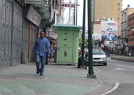 Pocos caminantes recorrieron la ciudad este viernes