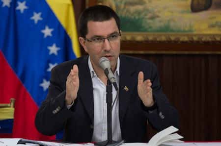 Venezuela insiste en que John Bolton dirige planes para atentar contra Maduro