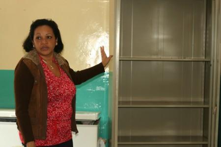Los delincuentes forzaron las puertas de los dos salones donde están los freezer y la cocina