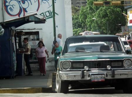 El ingreso diario de los taxistas va destinado a la compra de alimentos. ARCHIVO