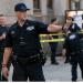 Las imágenes de televisión mostraban que los agentes evacuaron ordenadamente la escuela