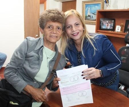 Sigue abierto centro de acopio en el despacho de la primera dama Clara Mirabal