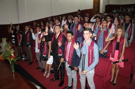En el acto el alcalde José Luis Rodríguez, padrino de la promoción instó a los jóvenes a continuar sus estudios