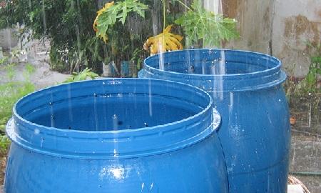 Recogen agua de la lluvia antes falla en suministro por parte de Hidrocapital.