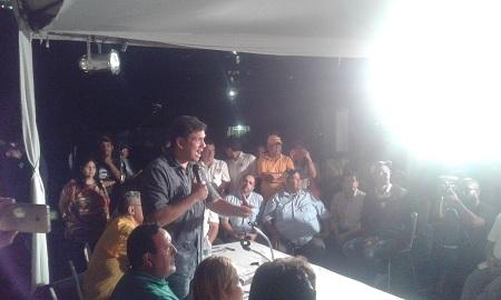 Ocariz encabezó asamblea con vecinos de Carrizal.