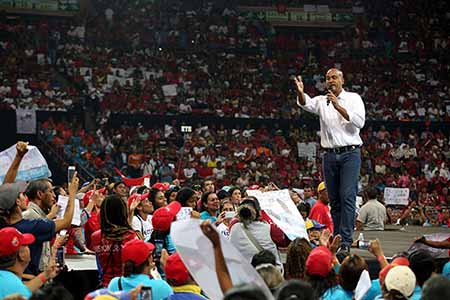 En un acto realizado en el Poliedro de Caracas el abanderado socialista para las elecciones regionales en la entidad señaló la necesidad de cambiar la realidad de que Miranda sea el estado más peligroso de Venezuela.