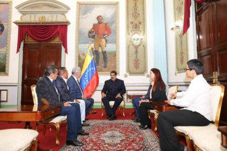Maduro se reunió con tres de los gobernadores adecos subordinados a la ANC