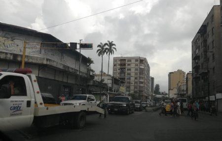 Sin semáforo la principal avenida de la ciudad desde hace meses.