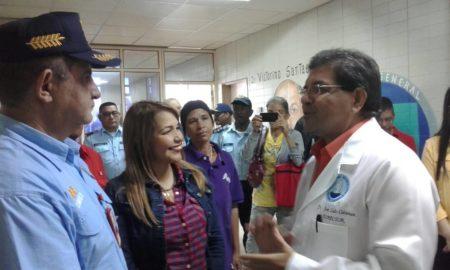 Entregan canastillas e insumos médicos  en el Victorino Santaella de Los Teques