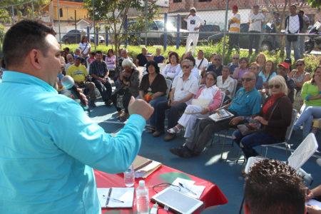 Vecinos de Llano Alto pidieron a Fraija mejorar servicios públicos