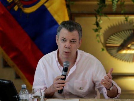 Santos: Venezuela está al borde de una implosión