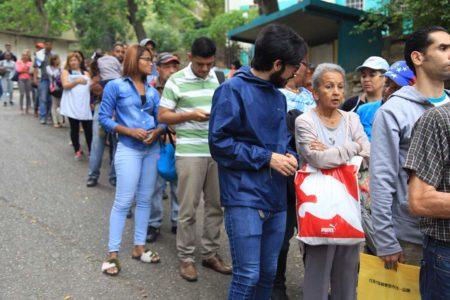 """Diputado Pizarrodenunció la crisis de transporte:""""Hasta 3 horas deben esperar las personas para agarrar una unidad"""""""
