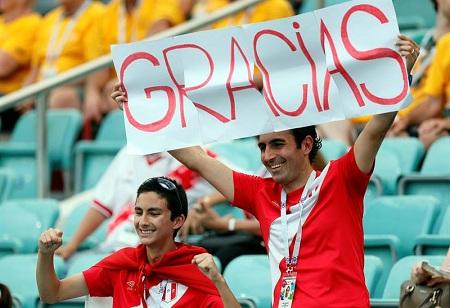 La fiesta peruana en la despedida de su selección da otro valor al fútbol