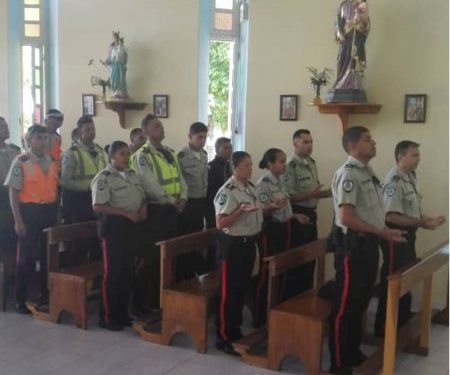 Con misa y ofrendas celebraron Día del Policía en Los Salias