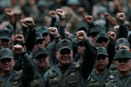 Gobierno aprobó a militares créditos adicionales que superan el Presupuesto Nacional 2018