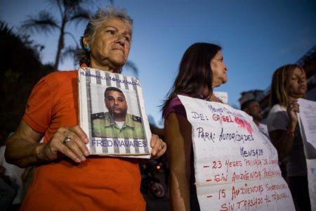 """Motín de """"presos políticos"""" en calabozos de servicio inteligencia en Caracas"""