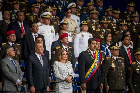 """Solución a crisis es """"democrática"""", dice oposición tras atentado a Maduro"""