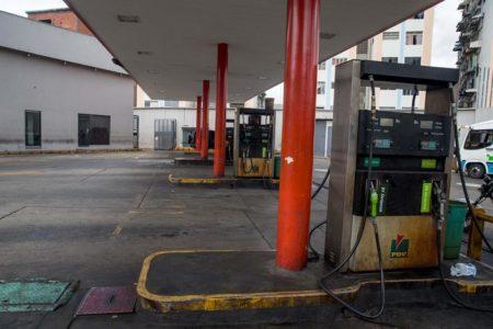 """Inicia censo en Venezuela para """"uso racional"""" de su muy barata gasolina"""