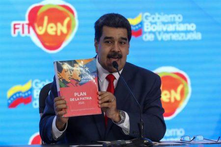 """Venezuela cobrará turismo en divisas en """"zonas económicas especiales"""""""