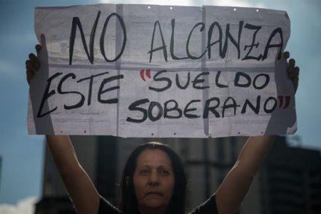 Maestros venezolanos vuelven a protestar y exigen renuncia de ministro