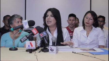 Indira Urbaneja, representante del movimiento Chavismo Bolivariano, se pronunció en torno al caso Andrade-Gorrín, asegurando que muchos de los funcionarios que se hacen llamar revolucionarios utilizaron al pueblo para enriquecersey repetir a un nivel exponencial los vicios de la tan criticada 4ta República