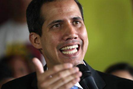 """Guaidó considera """"una burla"""" que gobierno de Maduro lleve ayuda a Colombia"""