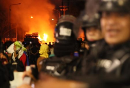 Intento de llevar ayuda a Venezuela desde Colombia se detiene por violencia