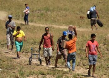 Frontera de Brasil con Venezuela vive más disturbios en ausencia de la ayuda