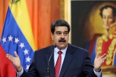 """Maduro dice que no se cree """"el esquema de jaque mate"""" de Estados Unidos"""