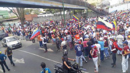 Protesta en la redoma de La Matica