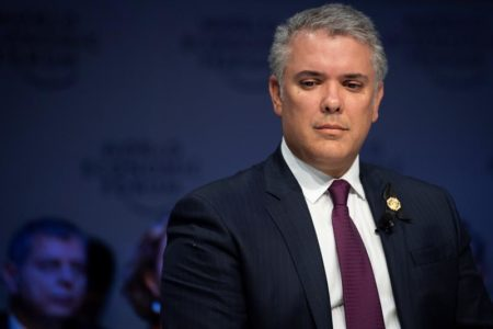 Duque dice que no hay nueva FARC sino narcoterroristas apoyados por Maduro