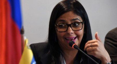 """Delcy Rodríguez siente """"vergüenza ajena"""" por la gira de Guaidó"""