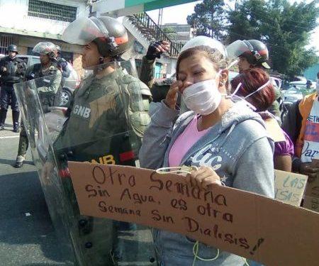 Protesta frente al HVS