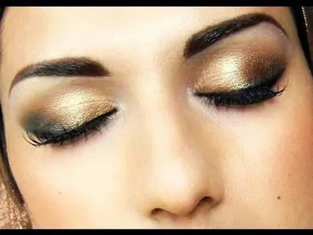 Maquillaje de ojos en dorado y negro - La Voz