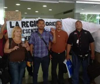 Los trabajadores y jubilados de Ipostel se apostaron en la entrada de ese organismo en San Martín y no dejaron entrar a la directiva
