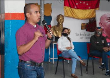"""El candidato Darwin Jaramillo recordó las UBCh """"son la vanguardia de la lucha en la calle""""."""