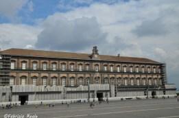 palazzo-reale-napoli-cambia-colore-1