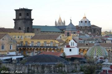 cupole-campanili-e-chiese-dai-tetti-di-spaccanapoli