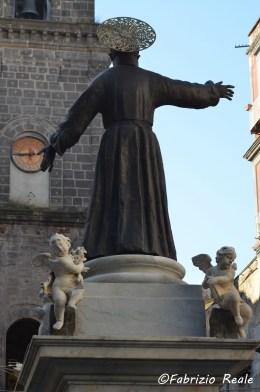 statua di san gaetano restaurata