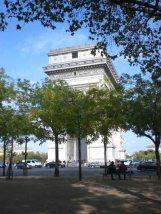 O Arco do Triunfo visto no final da Av. Kléber
