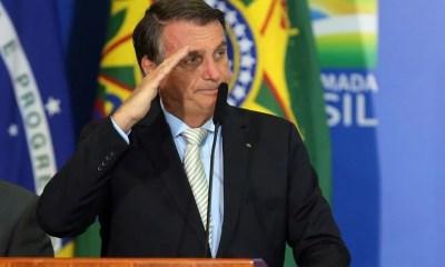 Bolsonaro confirma compra de milhões de vacina da Pfizer