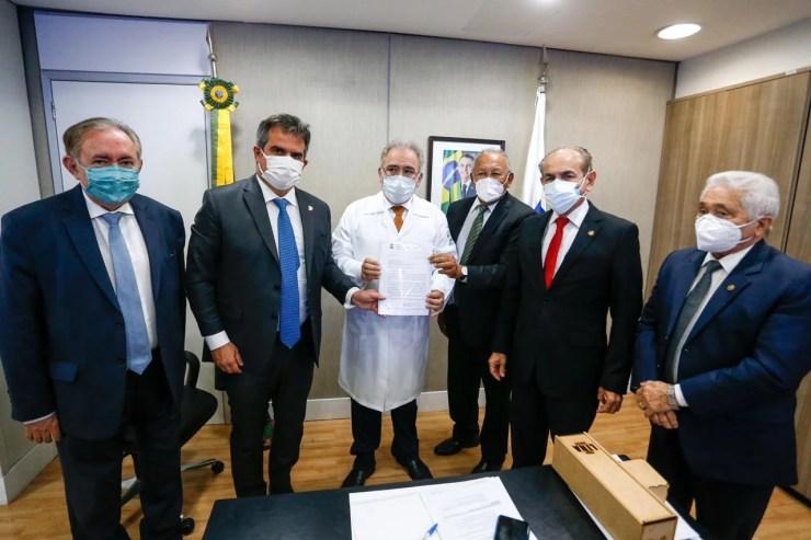 Dr. Pessoa pede a ministro aumento de repasse para saúde em Teresina