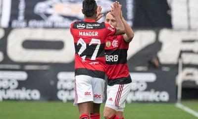 Flamengo mostra superioridade e vence o Corinthians em Itaquera