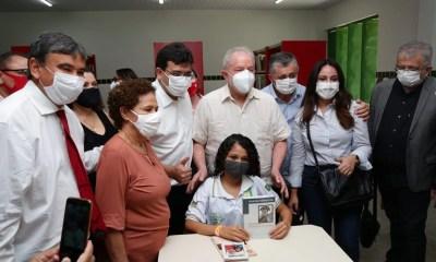 Lula participa de inauguração de Escola de Tempo Integral e elogia a educação do Piauí