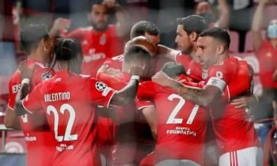 Benfica goleia o Barcelona na Champions