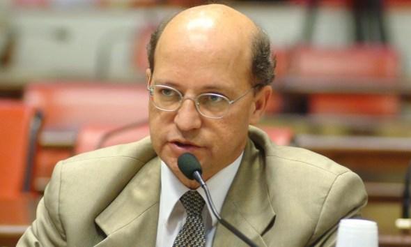 Carlos Neder, médico e fundador do PT, morre de Covid em São Paulo