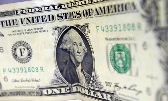 Bovespa cai mais de 2% e fecha na pior pontuação do ano