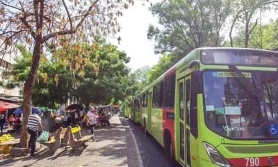 Motoristas e cobradores de ônibus paralisam atividades em Teresina