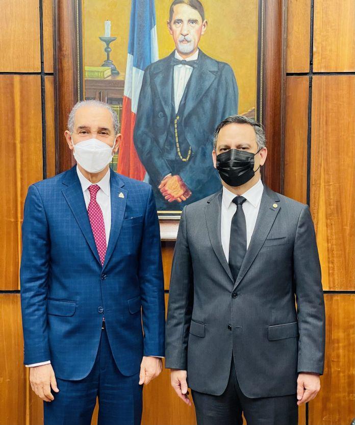 El Ministro del MESCYT, doctor Franklin García Fermín, y el presidente de la Suprema Corte de Justicia, doctor Luis Henry Molina Peña, sostuvieron una reunión de trabajo.